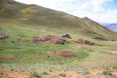 De hut van Sheepfold en van de herder Stock Afbeeldingen