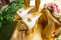 De huwelijksceremonie Thailand riep huwelijksceremonie het water geven ook relancering Stock Afbeelding