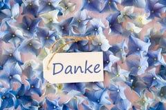 De hydrangea hortensiavlakte legt, Danke-danken de Middelen u Stock Afbeeldingen
