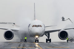 De-icing LOT Polish Airlines, Boeing B787 Dreamliner Royalty Free Stock Photo