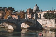 De iconic byggnaderna av Rome sköt under en studytrip royaltyfria bilder