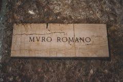 De iconic byggnaderna av Rome sköt under en studytrip royaltyfri fotografi