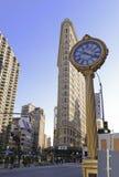 De iconische 5de Wegklok in de Stad van New York Stock Foto's