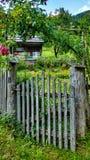 De idyllische tuin van het land Stock Foto