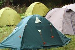 De iglo neigt in het kamp Stock Afbeelding