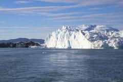 De ijsberg van Fiord Stock Afbeeldingen