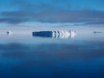 De ijsberglandschap van Antarctica Stock Afbeelding
