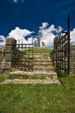De ijzerpoort van de ingang van calvary in Zminj Stock Foto