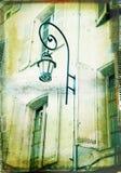 De illustratie van Grunge van een huis met een lamp Royalty-vrije Stock Afbeeldingen
