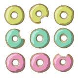 De illustratie van snoepje kleurde donuts in gele, roze en groene kleuren op een witte achtergrond Stock Foto's