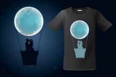 De impuls van de maan hete lucht met twee kussende mensen, t-shirtontwerp, modern drukgebruik voor sweatshirts, herinneringen en  Stock Afbeeldingen