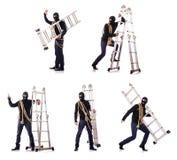 De inbreker die die balaclava dragen op wit wordt geïsoleerd stock foto