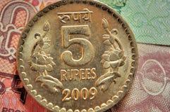De Indische Muntstukken van de Munt van benaming Rs.5 Royalty-vrije Stock Afbeeldingen
