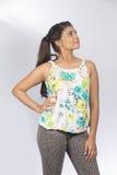 De Indische tiener kijkt kant Stock Foto