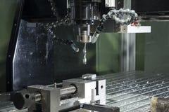De industriële cnc molen geautomatiseerde machine van de metaalverwerking Stock Foto