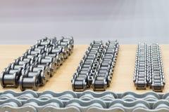 De industriële kettingen voor machine stock afbeeldingen