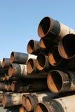 De industriële stapel van staalpijpen stock fotografie