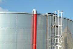 De industriële tank van het roestvrij staal brandstof stock afbeelding