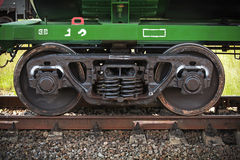 De industriële wielen van de spoorauto Stock Fotografie