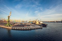 De industriële zeehaven van de ladingsspoorweg, de vervorming van het vissenoog stock fotografie