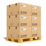 De dozen van het karton bij het verschepen van pallet Stock Afbeeldingen