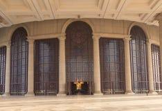 De ingang van de Basiliek van Onze Dame van Vrede Stock Foto's