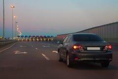 De ingang van de auto op betaalde weg Stock Fotografie