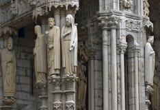 De ingang van de kathedraal van Chartres royalty-vrije stock fotografie