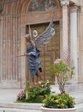 De ingang van de kathedraal van Verona Stock Foto