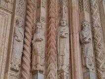 De ingang van de kathedraal in Verona Royalty-vrije Stock Foto