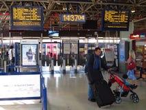 De ingang van de spoorpost met barrières. Royalty-vrije Stock Afbeeldingen