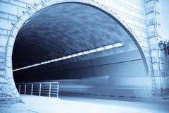 De ingang van de tunnel royalty-vrije stock afbeeldingen