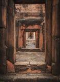 De ingang van kasteel 3 vloeren Oude Architectuur van Castle Rock van Prasat de puay noi over duizend jaren geleden bij Khonkaen- royalty-vrije stock afbeeldingen
