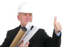 De ingenieur in een Vergadering met in Hand Projecten maakt omhoog Duimen en Gelukkige Glimlach stock footage