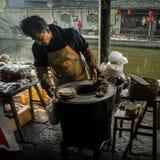 De ingezetenen in het zuiden van de Yangtze-Rivier treffen voor het de Lentefestival voorbereidingen royalty-vrije stock fotografie