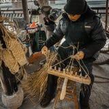 De ingezetenen in het zuiden van de Yangtze-Rivier treffen voor het de Lentefestival voorbereidingen stock foto's