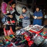 De ingezetenen in het zuiden van de Yangtze-Rivier treffen voor het de Lentefestival voorbereidingen stock fotografie