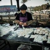De ingezetenen in het zuiden van de Yangtze-Rivier treffen voor het de Lentefestival voorbereidingen royalty-vrije stock foto