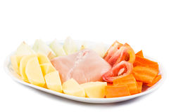 De ingrediënten om te verdubbelen koken Chinese aardappels, wortelen, tomatensoep Stock Afbeelding