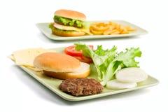 De ingrediënten van de cheeseburger royalty-vrije stock afbeeldingen