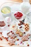 De ingrediënten van het baksel voor koekjes of peperkoek royalty-vrije stock afbeelding