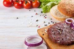 De ingrediënten voor de hamburger Royalty-vrije Stock Afbeeldingen