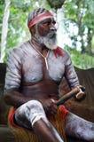 De inheemse van het de mensenspel van Australiërs Inheemse muziek met Clapstick Royalty-vrije Stock Foto