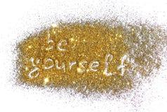 De inschrijving is zelf op gouden schittert fonkeling op witte achtergrond Stock Afbeeldingen