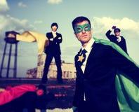 De Inspiratiesvertrouwen Team Work Conc van bedrijfsmensensuperhero royalty-vrije stock afbeeldingen