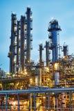 De installatie of de fabriek van de olieraffinaderij stock foto