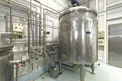 De Installatie van de melkverwerking Royalty-vrije Stock Afbeelding