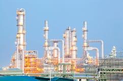 De Installatie van de Raffinaderij van de olie royalty-vrije stock afbeelding