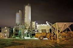 De Installatie van het cement bij Nacht stock afbeelding