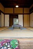 De interior del chalet de madera en Japón Imagenes de archivo